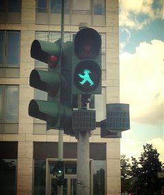green ampel berlin